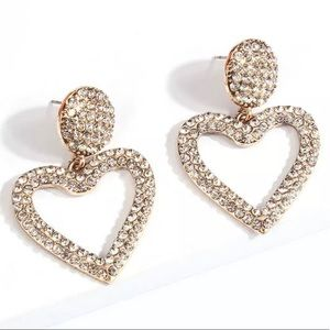 Jewelry - Heart stud earrings